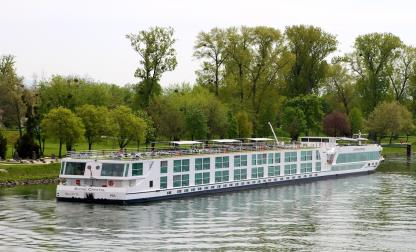SCENIC CRYSTAL 135m RIVER CRUISER